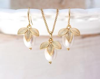 742 Bridesmaid jewelry set, Bridesmaid gift, Gold jewelry set, Bridesmaid jewelry gift, Gold pearls leaves set, Bridesmaid gift set jewelry