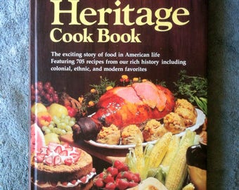 Vintage Cookbook Better Home and Gardens Heritage Cook Book with Slipcase 1976 700 Recipes Foodie Reading Cookbook Collection  H15