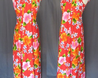 Vintage 1970s Hukilau Fashion Maxi Dress / 70s Hawaiian Hibiscus Floral / Beautiful Colors of Deep Coral, Orange, Pink, White and Turquoise
