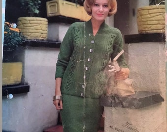 Original Vintage Lee Target DK Knitting Pattern for ladies suit