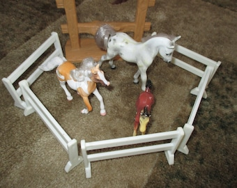 SALE set of 3 Vintage horses and 9 pieces of white farm fence Avon fence