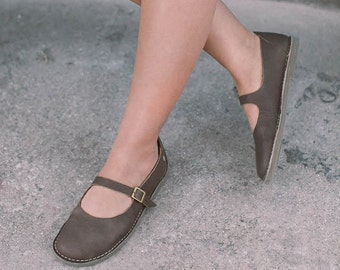 Brown Mary Janes,  Women Shoes, Mary Jane Shoes,Flats Shoes, Handmade Shoes, Casual Leather Shoes, Women Leather Shoes, Brown Shoes, Shoes