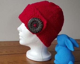 Celle-qui-n'en-fait-qu'à-sa-tête! Tuque, bonnet, bouton,chic,pour elle, for her, fancy, button, winter hat, Québec,chapeau,toque, magenta
