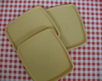 Tupperware sandwich lids, retro Tupperware, sandwich container, retro kitchen, vintage kitchen, kitchen storage, organizing, plastic lids