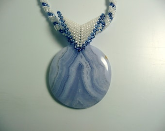 Blue Lace Agate Beaded Necklace, Agate Necklace, Blue and White Necklace, gemstone necklace