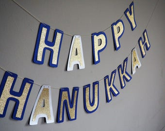 Hanukkah decorations: Happy Hanukkah banner | A festive and glittery Hanukkah garland | Jewish holiday wall decoration