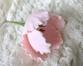 Parrot Tulip Blush Pink Sugar Flower for wedding cakes, gumpaste flowers, cake toppers