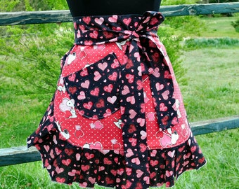 Cute Apron, Womans Apron, Half Apron, Pinup Apron, Hostess Apron,  Kitchen Apron, Chef Apron,  Apron for Mom, Apron for Women, Cooks Apron