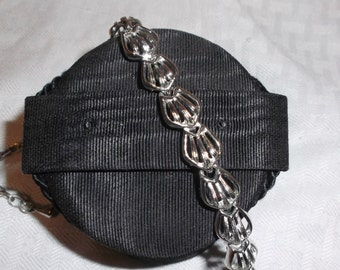 1950s Vintage Abstract Silver Tone Choker Necklace