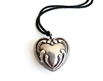 Vintage Heart Bell Pendant . baby necklace for mom . vintage silver heart pendant . breastfeeding jewelry . heart jingle bell necklace