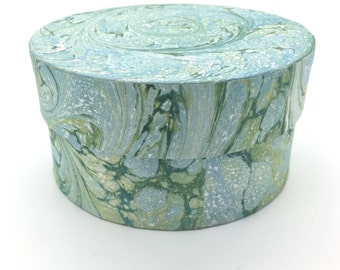 Mellow green hand marbled paper box