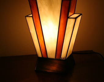 """Tiffany lamp, Art Deco stained glass Tiffany lamp, table """"Nude Caramel"""" lamp"""