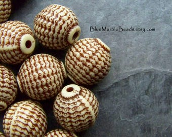 Vintage Bead, Etched Bead, Carved Bead, Round Bead, Lucite Bead, Brown And White, Basket Weave, Unique Bead, Boho Bead, Tribal Bead, 8 Beads