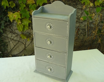 Box with drawers in weathered gray painted wood, 4 drawers, standing or hanging