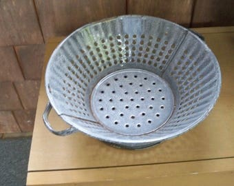 Vintage Gray Graniteware Strainer, Drainer, Colander Kitchen Collectible