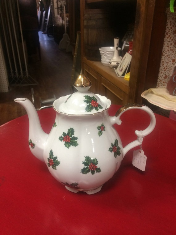 Lefton christmas teapot holly pattern