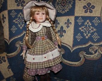 Collection de porcelaine antique Doll