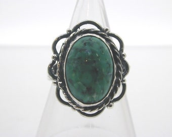 Silver and Venetian glass ring green marbling 4.5 grams size J