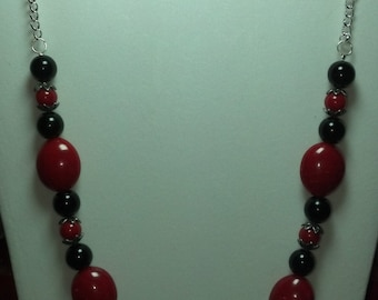 Black and Red Glass Beaded Necklace