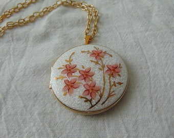 vintage pink gold floral white basse taille locket pendant necklace guilloche enamel hand painted 22 kt gold