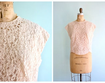 Vintage 1950's Faint Blush Pink Blouse  | Size Large