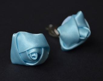Blue clips earrings