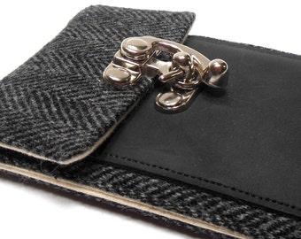 iPhone 6 / 7 / 7 Plus wallet - black and gray herringbone