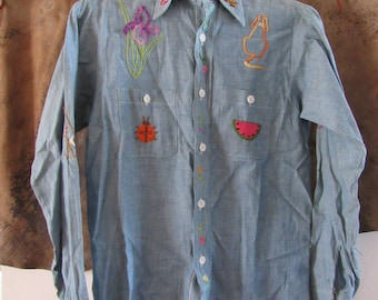 70s Texas Hand Embroidered Chambray Shirt by Ely, Men's M Women's M-L  // Vintage Flower Hippie Western Shirt