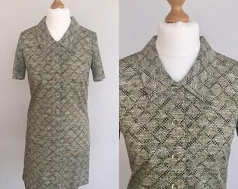 Vintage 70s Green Dress, Japanese Dress, Green Patterned Dress,1970s Green Dress, Short Sleeved Dress, Summer Dress, Shirt Dress, Size 14