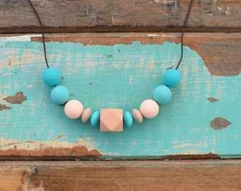 Baby shower gift peach aqua teething necklace, silicone teething necklace, baby nursing necklace, chew necklace aqua and peach, new mum gift