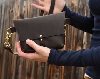 The Bogotá - Hip Bag and Pouch Purse in Dark Chocolate Brown Leather