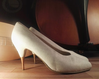White mother of Pearl leather look vegan Golden heels shoes high heels 38 90 pumps true vintage