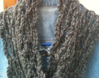 One Hour Lacey Alaska Moebius Cowl Crochet Pattern ETERNITY