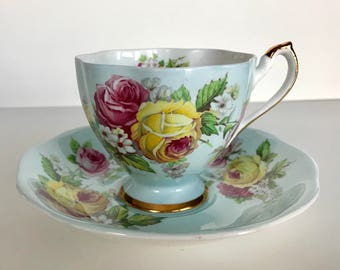 Beautiful Queen Anne China Tea Cup & Saucer