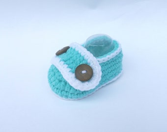BABY BOOTIES: Baby Shoes, Baby Button Booties (Crochet)