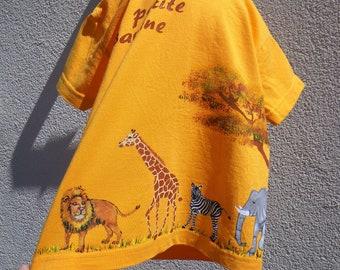 tee-shirt enfant, animaux de la savane, peint à la main, tee-shirt zèbre, tee-shirt lion, tee-shirt girafe, tee-shirt éléphant, tee-shirt BB