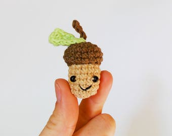 Tiny amigurumi acorn / miniature amigurumi / tiny amigurumi acorn / hand made acorn /