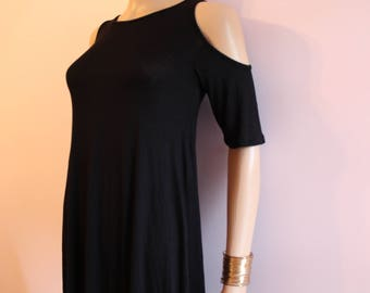 Sale Open shoulder dress in black