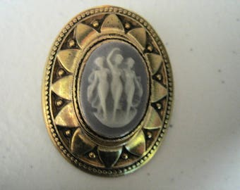Vintage 3 Dancing Ladies Carved Cameo Brooch