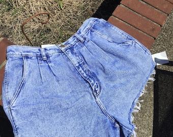 Size 14/ high waisted jean shorts/ stone washed/ fringe/ vintage