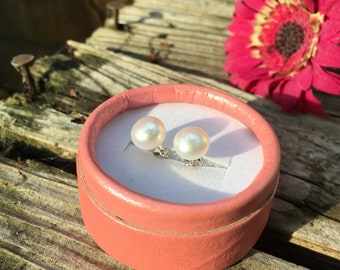 Elegant Pearl stud Earrings/925 Silver/extra large size 10-11mm
