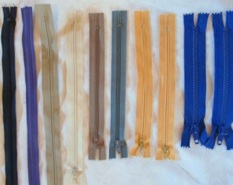 ONE DOZEN ZIPPERS --lot of 12--  (7-22 inches)  assorted colors
