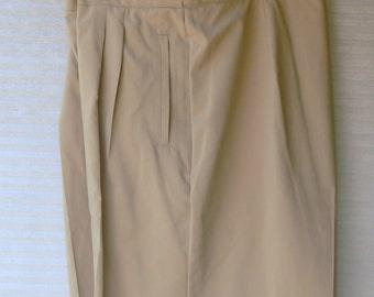 liz golf tan shorts size 16