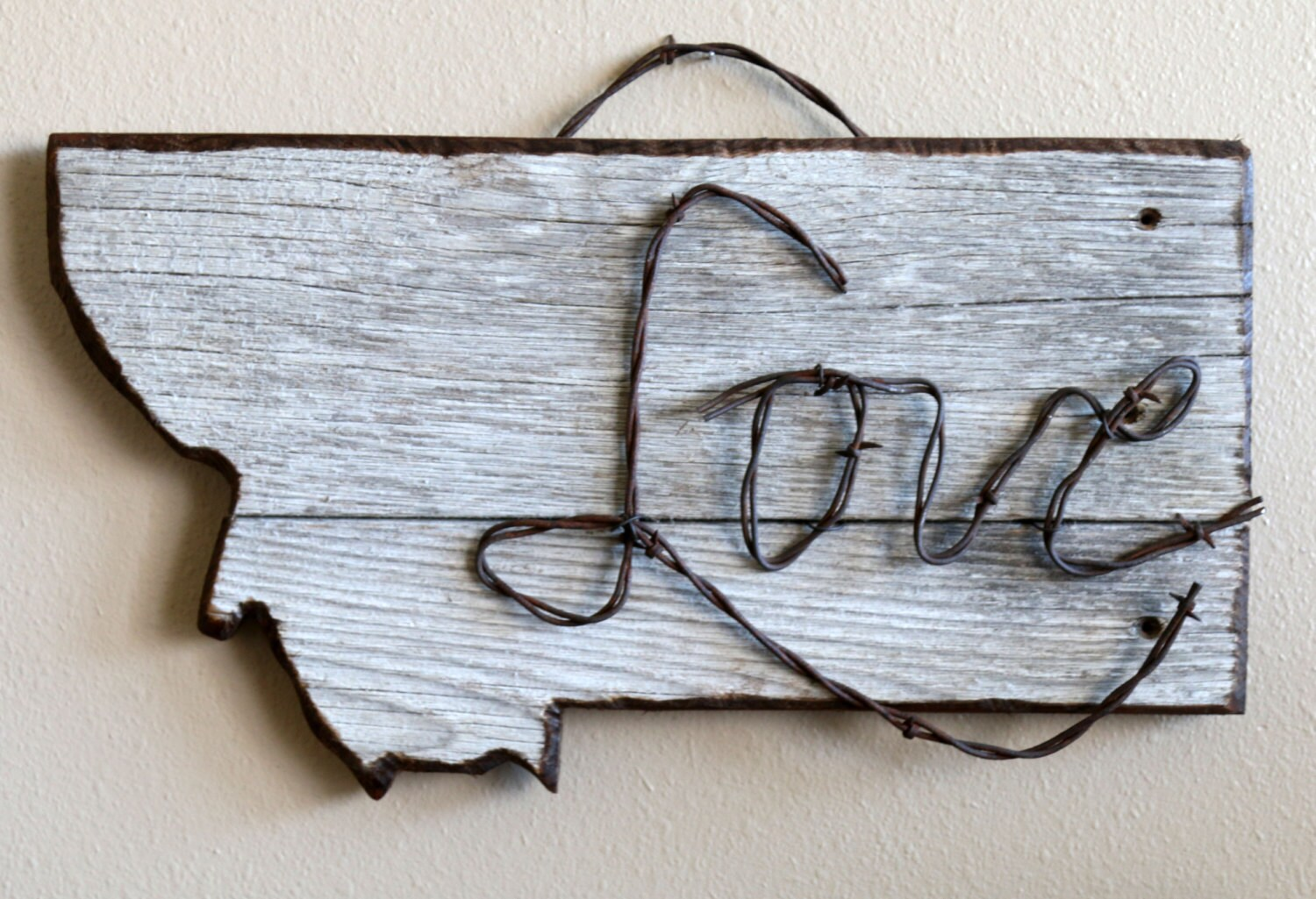 Love montana rustic barnwood sign with barbed wire for Montana rustic accents