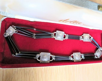 A most unusual Art Deco 1930s glass bugle bead and silver necklace