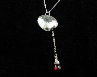She sells Sea Shells - silver shell necklace with garnet