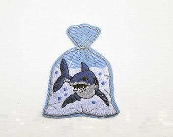 Pet Shark Embroidered Patch Iron on Shark patch Great White Pointer Shark Patches for Jacket Pet Goldfish in a bag Jaws Patch, Joke Funny