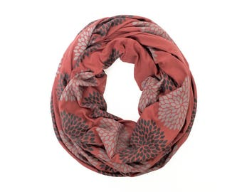 INFINITY SCARF - Gray Double Flowers on Brick