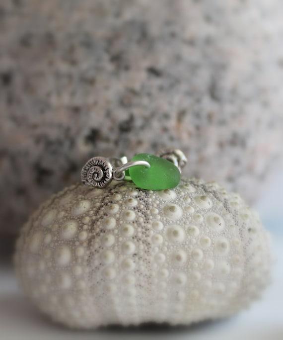 Little Nautilus sea glass earrings in true green