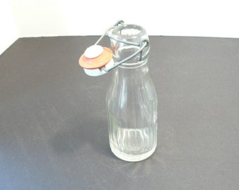 1967 Half Pint American Eagle Glass Bottle With Ceramic Stopper